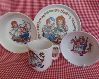 Raggedy Ann & Andy 4 Piece Dish Set -- Mint