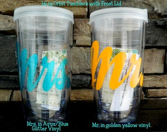 SET OF 2 Personalized Custom Mr and Mrs. Tumblers for the Bride and Groom  Wedding Gifts Personalized Gifts for the Bride and Groom