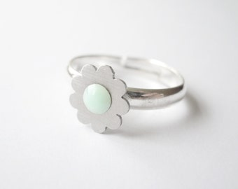 SILVER FLOWER RING with pastel mint green Swarovski crystals, steel dainty jewellery