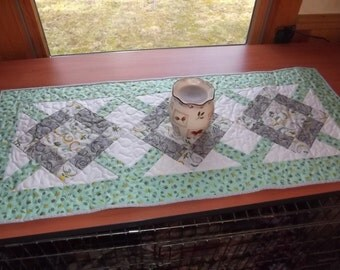 Hugs and Kisses Quilted table Runner