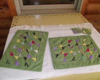 Quilted Scrappy Green Placemat Set with Bonus