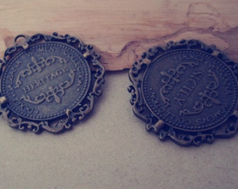 10pcs Antique bronze Round With English letters Charms 34mm