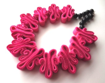 Pink Felt Necklace, Boho, Felt Jewelry, Bib, Eco Recycled, Felt Bead Necklace, Collar, Eco Felt Pink Necklace Felted, LOVE Pink