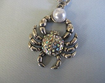 Handmade necklace A crab with pearl and rhinestones metal pendant necklace with silver tone chain and lobster clasp closure