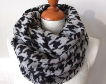 Black and gray fuzzy houndstooth infinity scarf / Italian wool blend loop circle scarf / chunky warm winter scarf / plaid infinity cowl