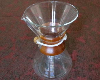 Pyrex CHEMEX Coffer Beaker - Handblown Glass with Wood Handle