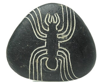 Petroglyph Palm Stone Black And White Nazca Lines Spider