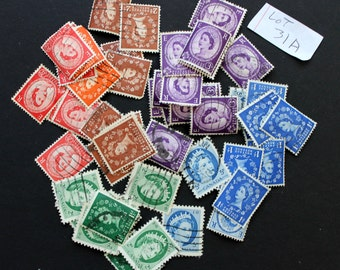 50 International Vintage Stamps of Queens - mixed colors (lot 31a)