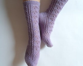 Luxurious pastel lavender lilac hand knit socks. Wool socks. Hand knit lace socks.Bed socks. House socks. Autumn winter. Cozy gift for her.