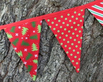 CHRISTMAS FABRIC BUNTING -- holiday pennant fabric flag banner -- fabric party bunting -- pennant garland -- 9 feet