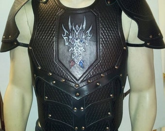 Leather Armor Dragon Scale chest, back, and shoulders with graphic