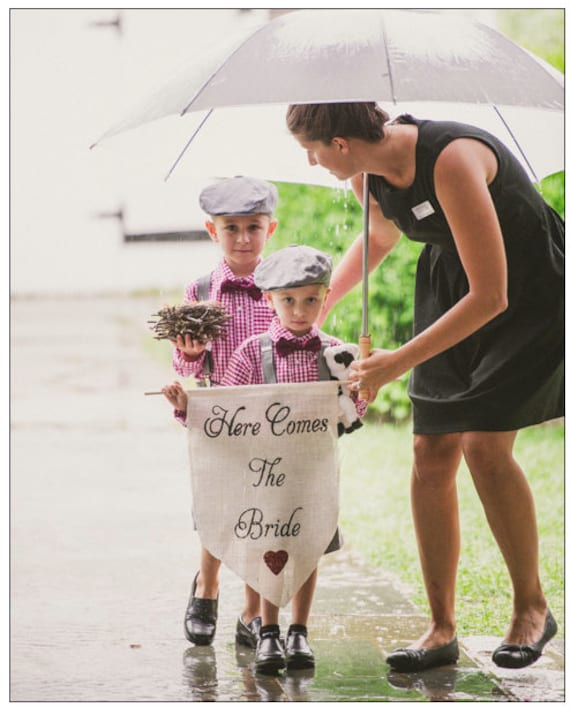 Here comes the Bride Sign -Wedding sign with heart-Burlap sign any COLOR - flower girl and ring bearer