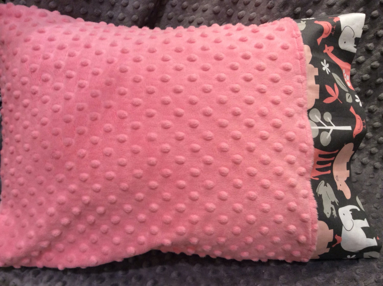 standard size minky pillow case full size minky pillowcase. Black Bedroom Furniture Sets. Home Design Ideas