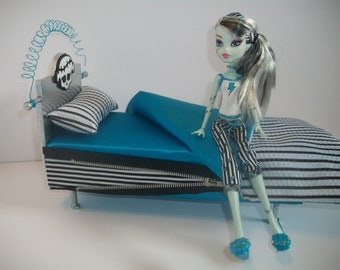 Furniture for Monster High Dolls Handmade Nut/Bolt Bed for Frankie