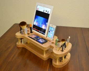 Beauty Station: iMakeUp Station , Make up Storage, Makeup Organizer & Display Station for iPad, iPhone and any Tablet and any Smart phone