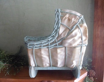 Vintage Doll Wicker Cradle (T)