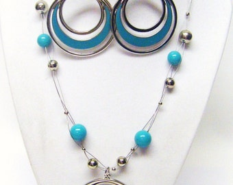 Layered Light Turquoise & Silver Beads on Wire w/Pendant Necklace and Earrings Set