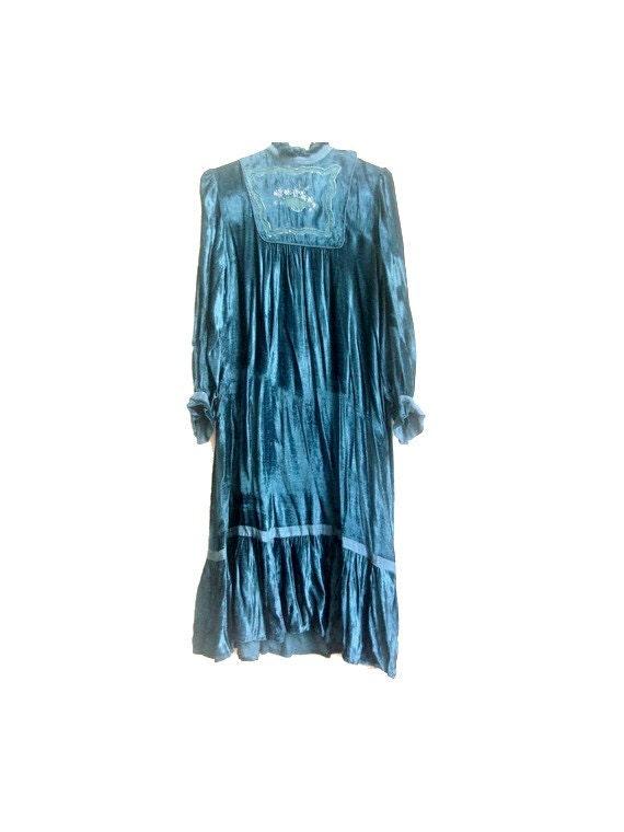 1970 robe hippie chic velours bleu par lesclodettes sur etsy. Black Bedroom Furniture Sets. Home Design Ideas