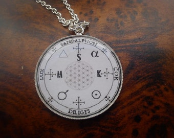 Sandalphon 's seal pendant.