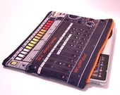 "Worldwide Medium Zipper Pouch ""PP 808"" for Macbook Pro 13 and Macbook Air"""