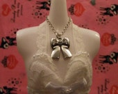 Little Silver Bow on a Chain / 1/6 Fashion Dolls