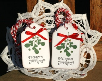 Christmas Gift Tags - Set of 8 Holiday gift tags with twine - Season's Greetings - Mistletoe