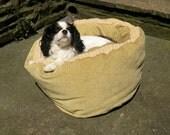 "Round Dog / Cat Bed Beige Cream 'Just Right for Bella' Basket King Charles Cavalier 20"" Diameter Bye Brytshi"