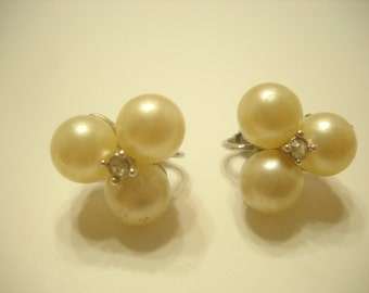 Vintage Marvella Faux Pearl Clip Earrings (3324)