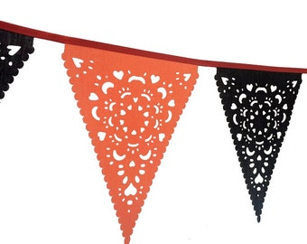 Fabulous Halloween decoration in fabric - bunting for any creepy party