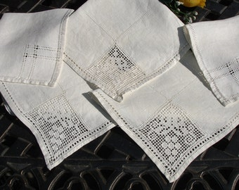 Linen napkins Shabby Chic Lot of 5 hand crocheted lace detailing
