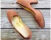 Vintage Brown Andrew Geller Executive Footwear Pumps, Size 6.5B Size 7.5, 1940's Suede Pumps