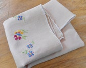 Vintage 1940s table top linen or antique napkin flax embroidered with flowers