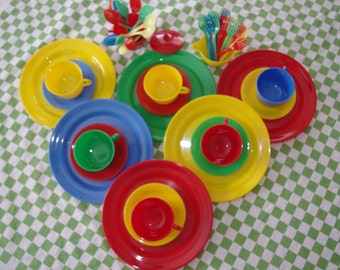 1960s Plastic Picnic Dishes Set Red Blue Yellow Green Gothamware 53 Pieces