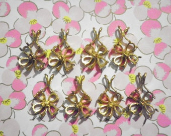 8 Brass Pendants with 5 Settings