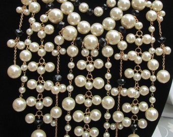 Black and Ivory Fax Pearls Necklace Set