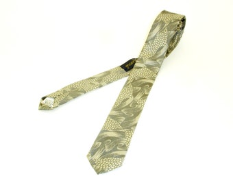 Vintage JOHNNY CARSON Tie Mens Narrow Skinny Necktie in Shiny Silver Abstract Woven Imported Fabric by Johnny Carson
