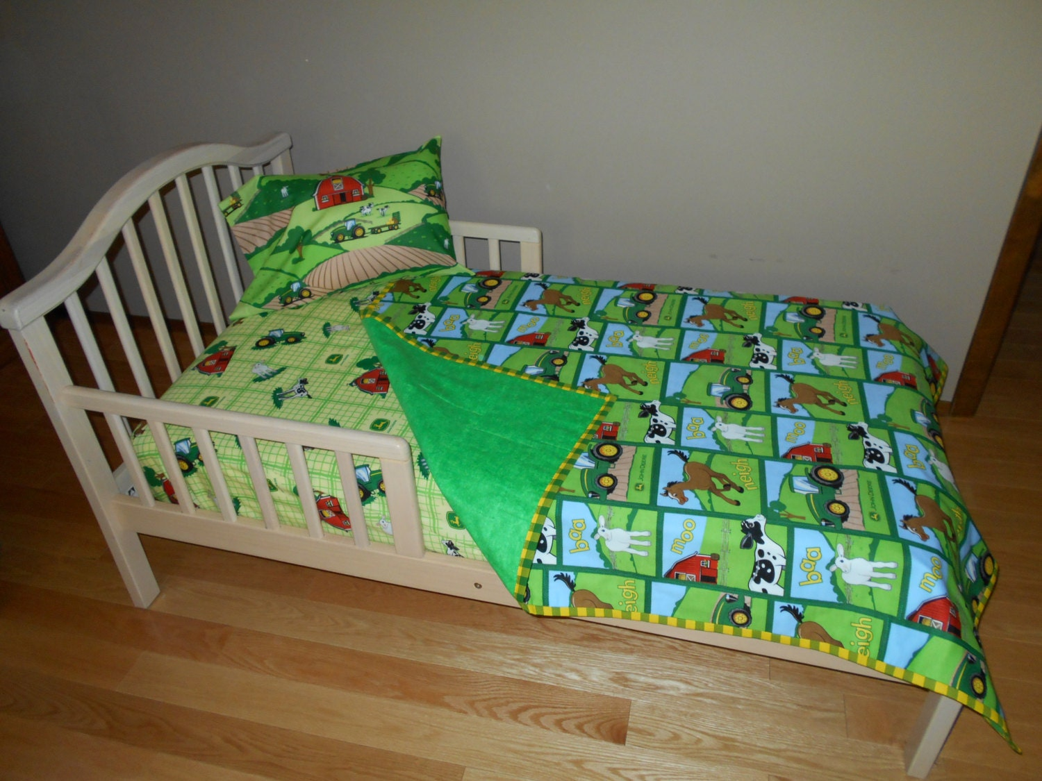 John Deere Fabric Toddler Crib Bedding Tractor Farm Animal