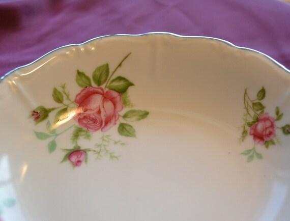 antique chalfonte porzellan bavaria germany roses small bowl. Black Bedroom Furniture Sets. Home Design Ideas