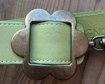 Green flower power belt