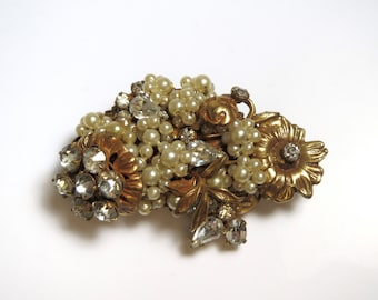Gold Filled Pearl and Rhinestones Vintage Brooch Pin # 2157