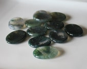 Green Moss Agate Worry Stone / Pocket Tranquilizer / Balance emotional energies / Endurance / Abundance