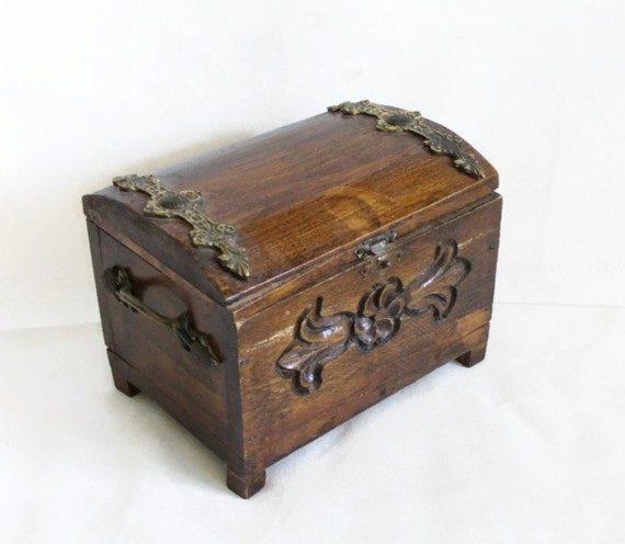 arrr pirate treasure chest vintage wooden box small. Black Bedroom Furniture Sets. Home Design Ideas