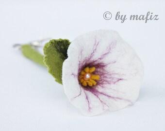 Felted Trailer for keys felt flower for key housing key in white flower felt