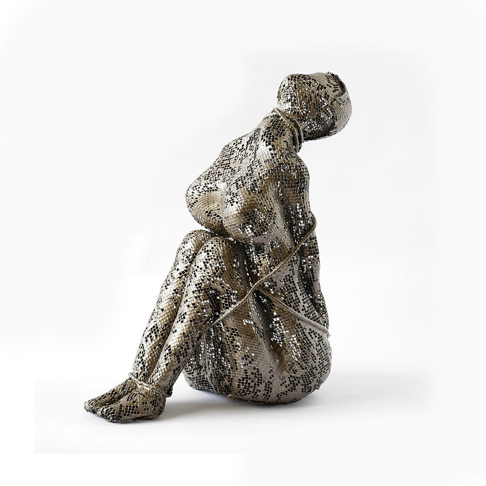 Contemporary metal art female sculpture unique home decor Home decor sculptures