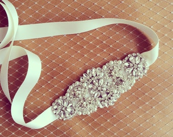 Wedding Hairband with rhinestone and pearl embelishment