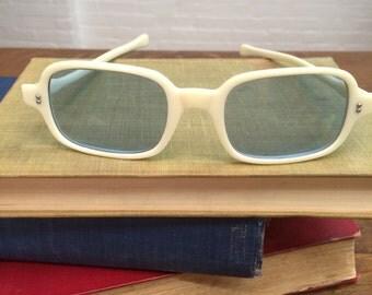 vintage blue lens sunglasses // marked Japan // 1960s // summer sunnies