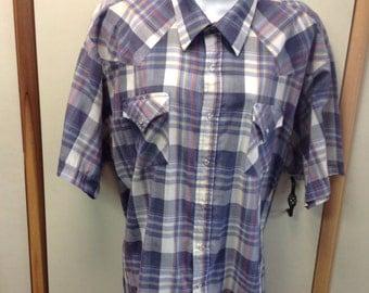 Mens Vintage ELY Cattleman short sleeves shirt.