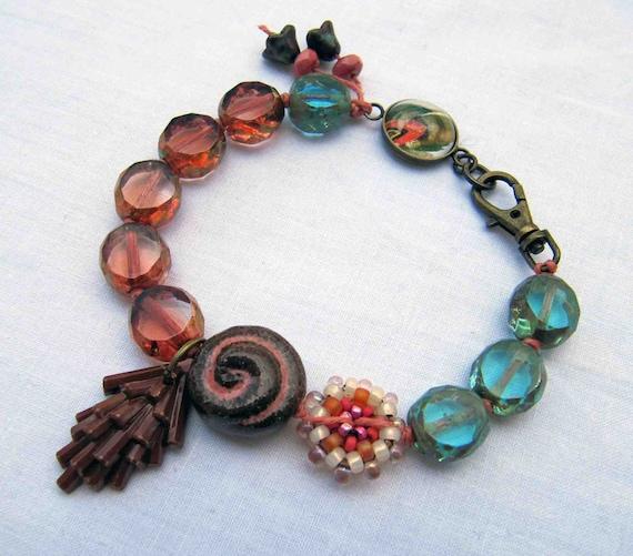 Holding light - handmade bracelet, beaded bracelet, art bead bracelet, vintage bead bracelet