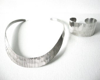 Vintage Sterling Silver Textured Grooved Collar Necklace And Matching Bracelet Made In Mexico