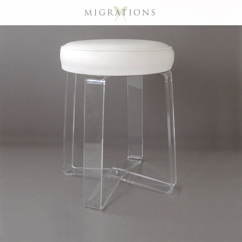 Mid century lucite acrylic stool for Boudoir stoel